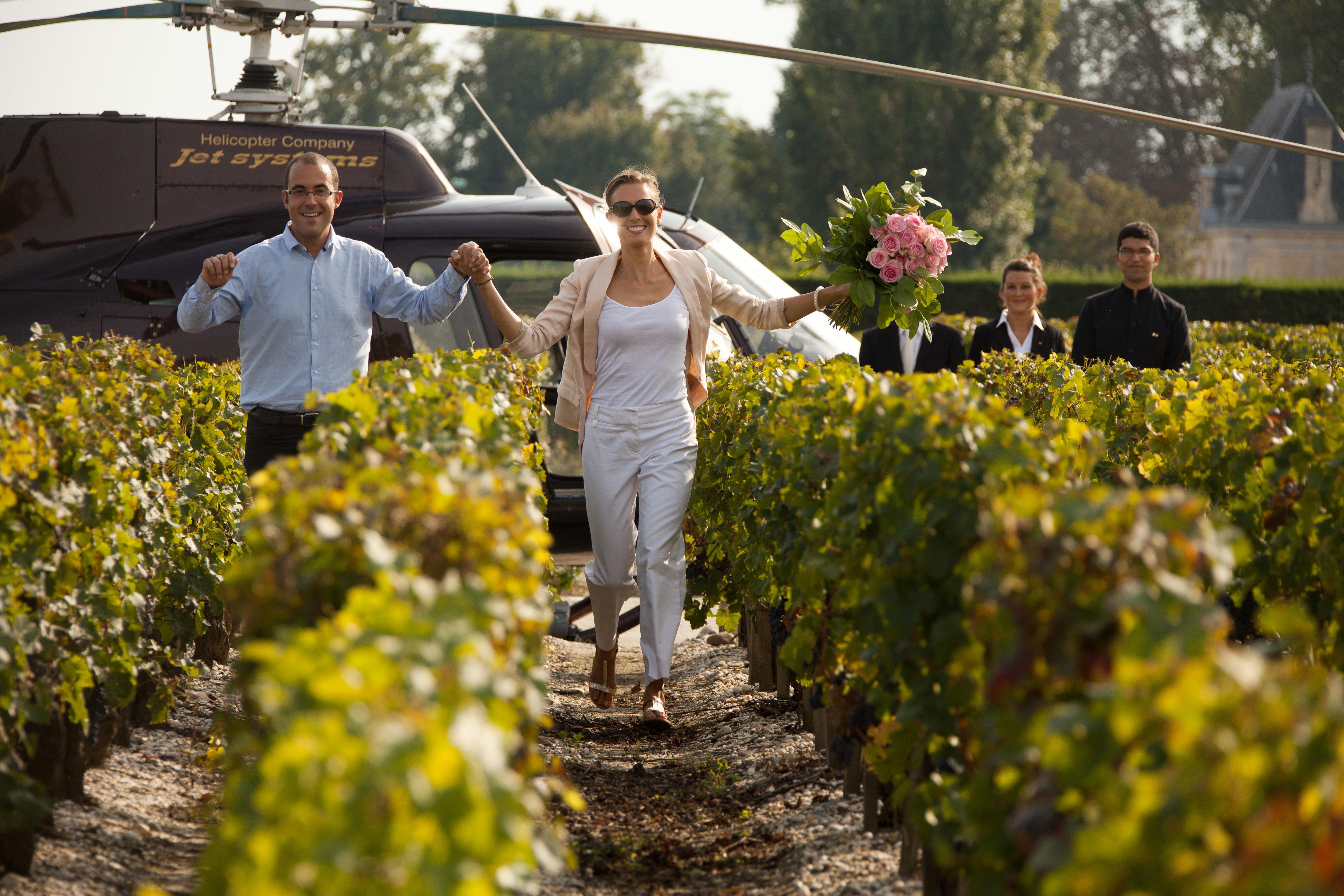 Relais et Châteaux Cordeillan-Bages en hélicoptère
